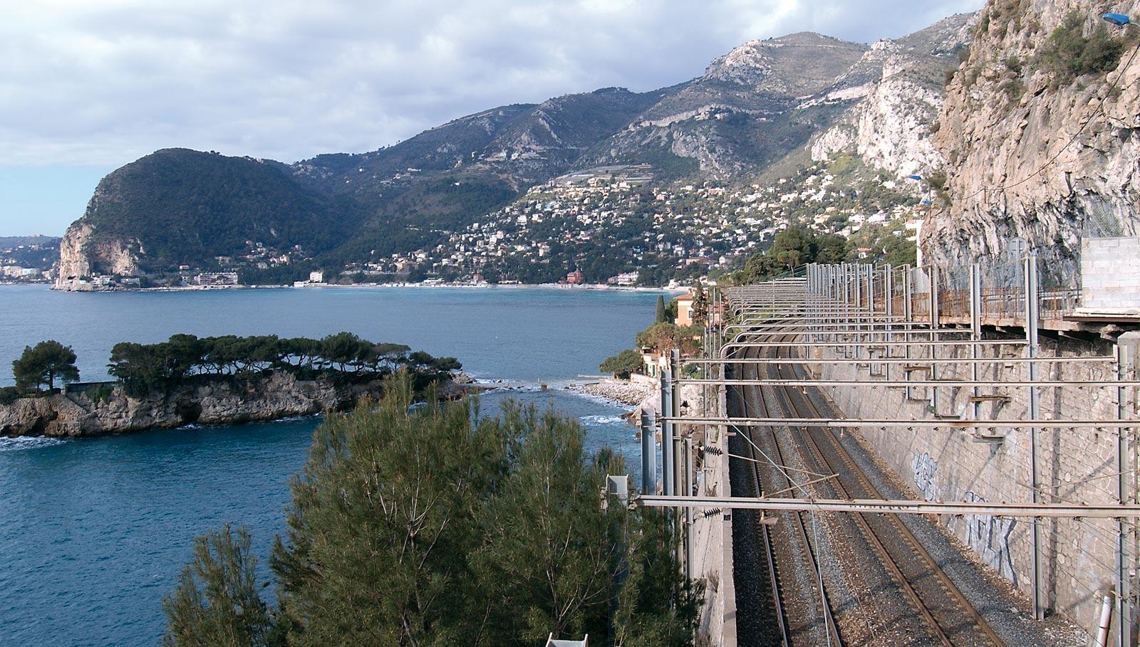 SNCF-Train-LGV-Paca-rff-p01801