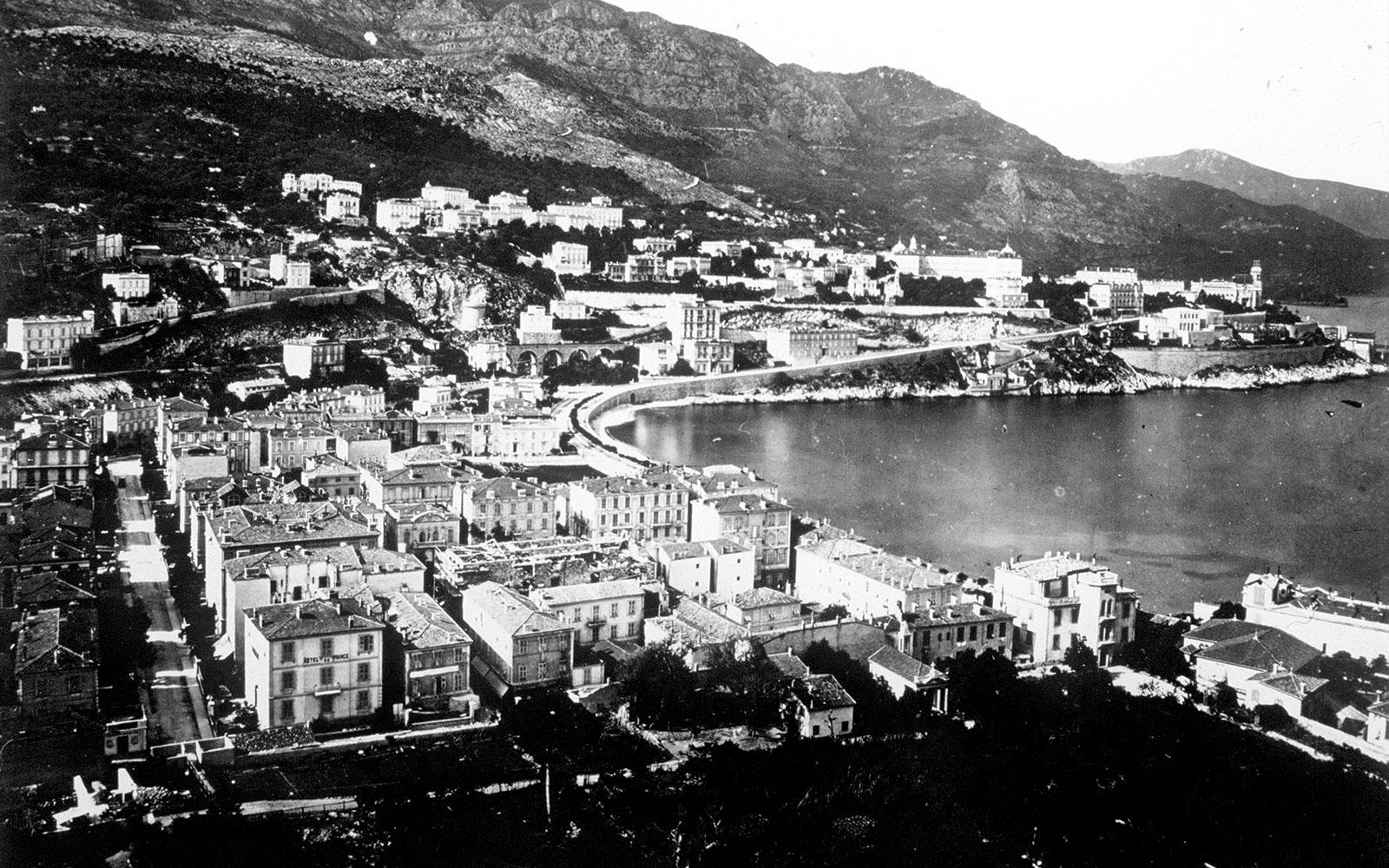 Port-de-Monaco-en-1890