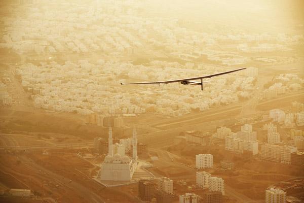 solar-impulse-2-solar-impulse-_-stefatou-_-rezo-ch-2-2015_03_10_solar_impulse_2_rtw_2nd_flight_muscat_to_ahmedabad_take-off_stefatou-0329