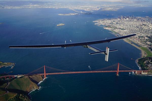 solar-impulse-9-solar-impulse-_-revillard-_-rezo-ch-9-2016_04_23_landing_moffet10