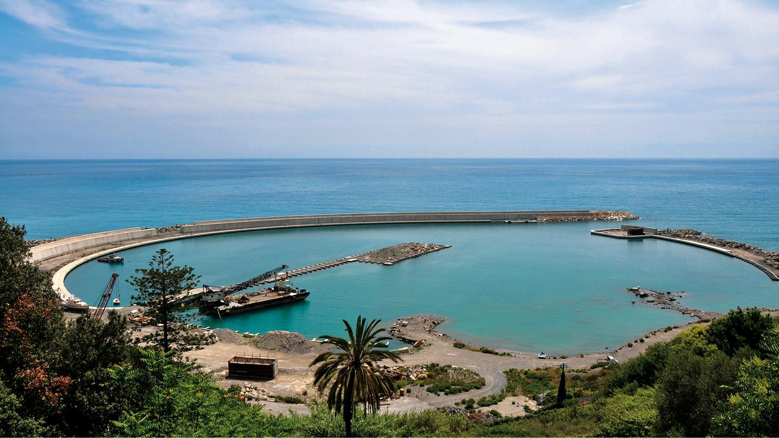Le port de vintimille rena t de ses cendres l - Distance en milles nautiques entre 2 ports ...
