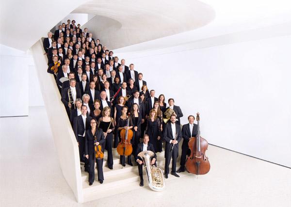 Frankfurt-Radio-Symphonie-Orchestre-(Ben-Knabe.jpg)