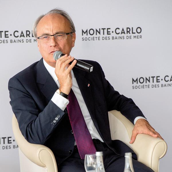 PILOTE/Nommé en 2013 président-délégué de la société, il est influent au sein du conseil d'administration depuis 1995. Des élus lui demandent des comptes.