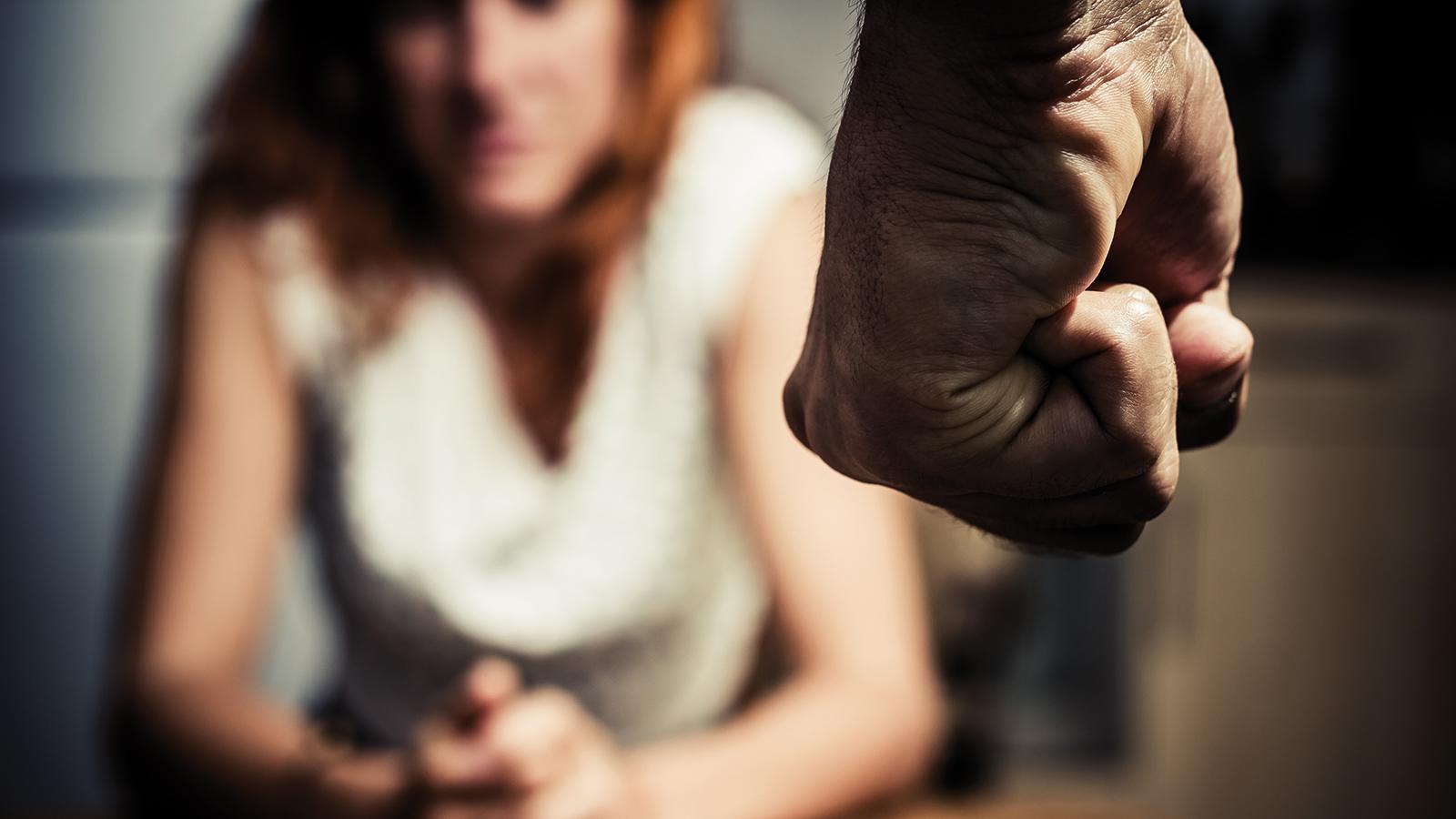 Violences conjugales:<br/>sortir de l'enfer