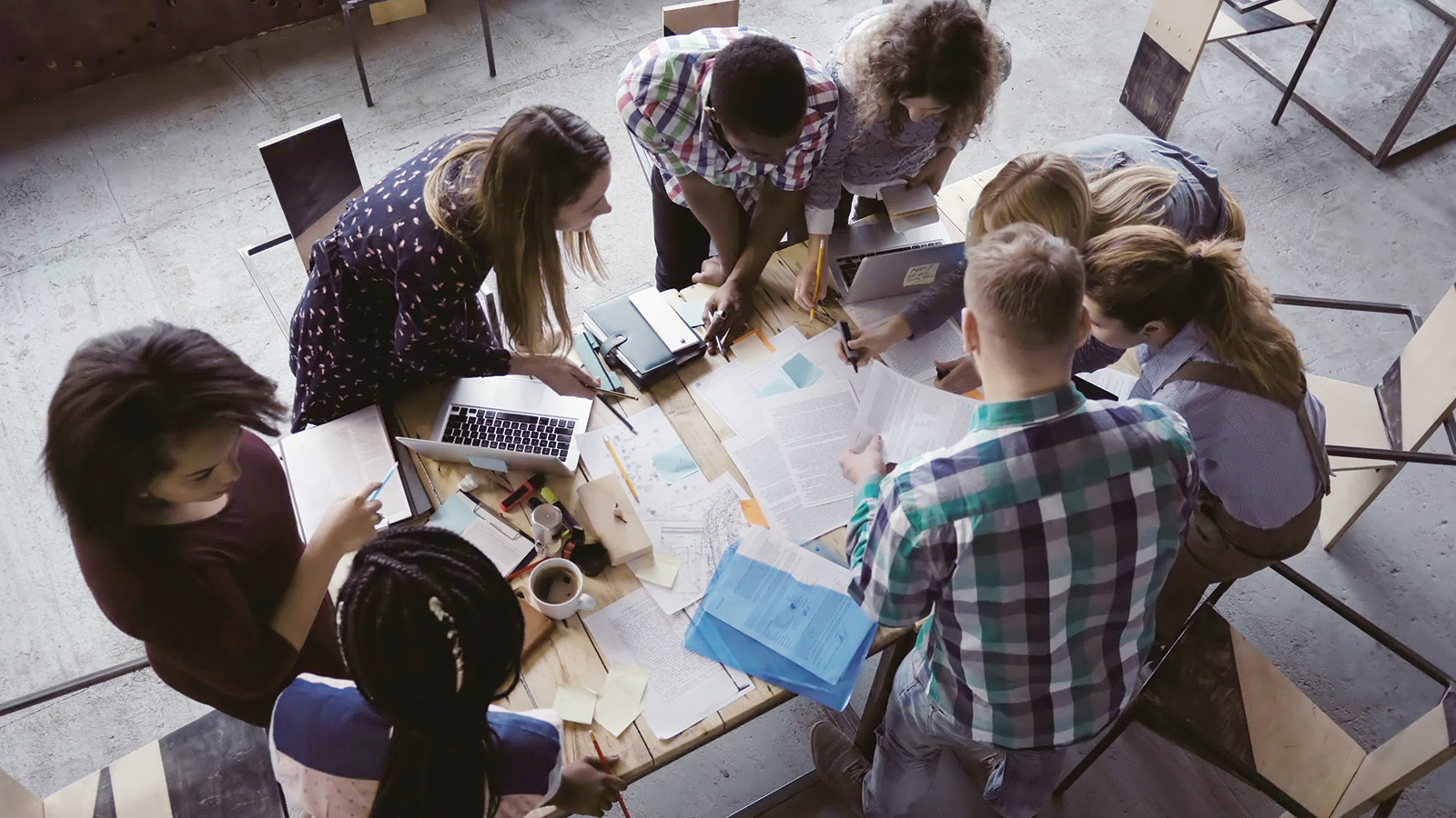 Jeunes-Millenials-generation-web-Internet-Business