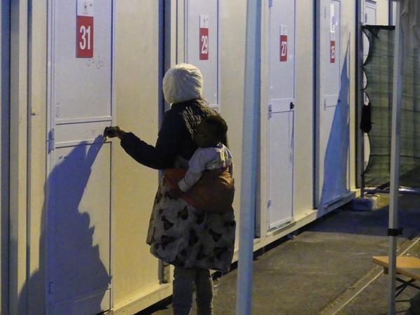 SECURITE/Certaines femmes se trouvent isolées, avec de tous jeunes enfants. L'association Terres des Hommes a pour principal objectif de les mettre en sécurité. © Photo L'Obs' - Sophie Noachovitch