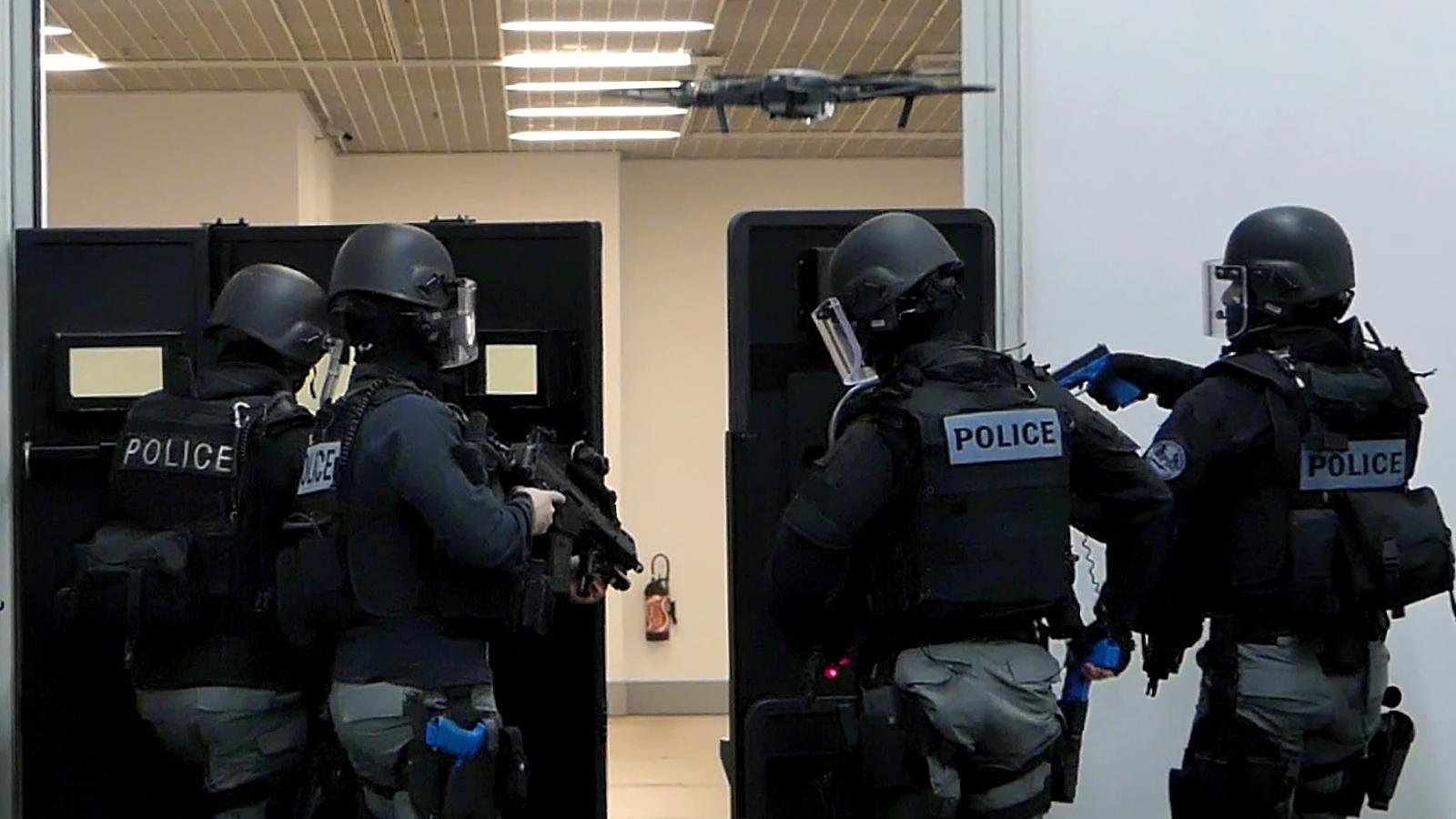Policier-Surete-publique-terrorisme-@-Obs-Sophie-Noachovitch-3-Drone