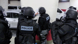 Policier-Surete-publique-terrorisme-@-Obs-Sophie-Noachovitch-1-Briefing