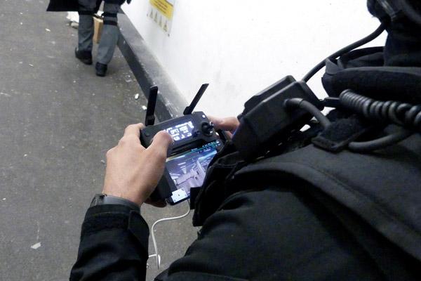 Policier-Surete-publique-terrorisme-@-Obs-Sophie-Noachovitch-2-Manette-drone