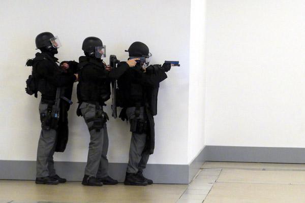 Policier-Surete-publique-terrorisme-@-Obs-Sophie-Noachovitch-4-Policiers-en-alerte