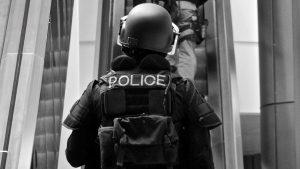 Policier-Surete-publique-terrorisme-@-Obs-Sophie-Noachovitch-GPSI-12-policiers-Aperture