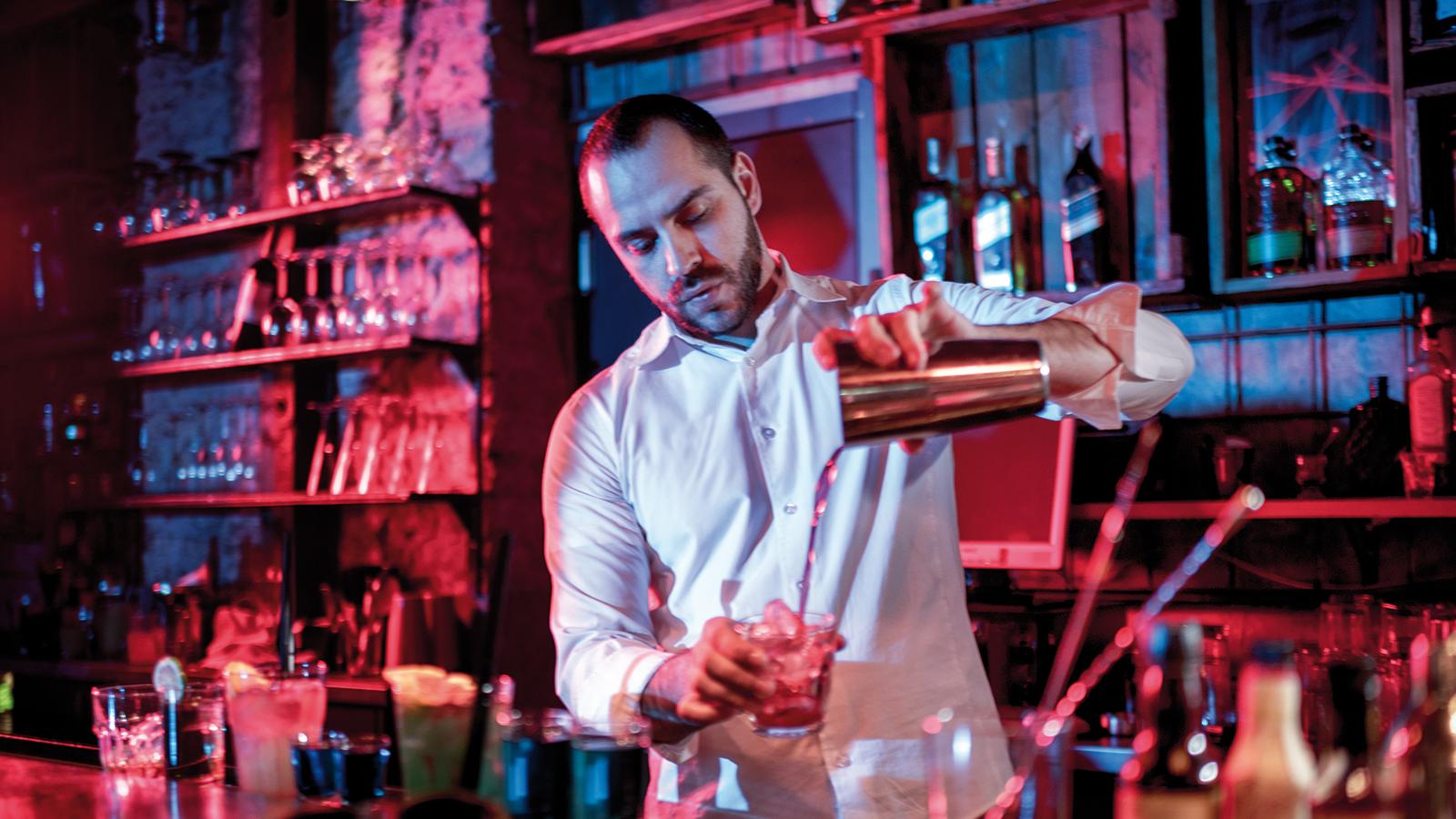 Barman-travail-de-nuit-