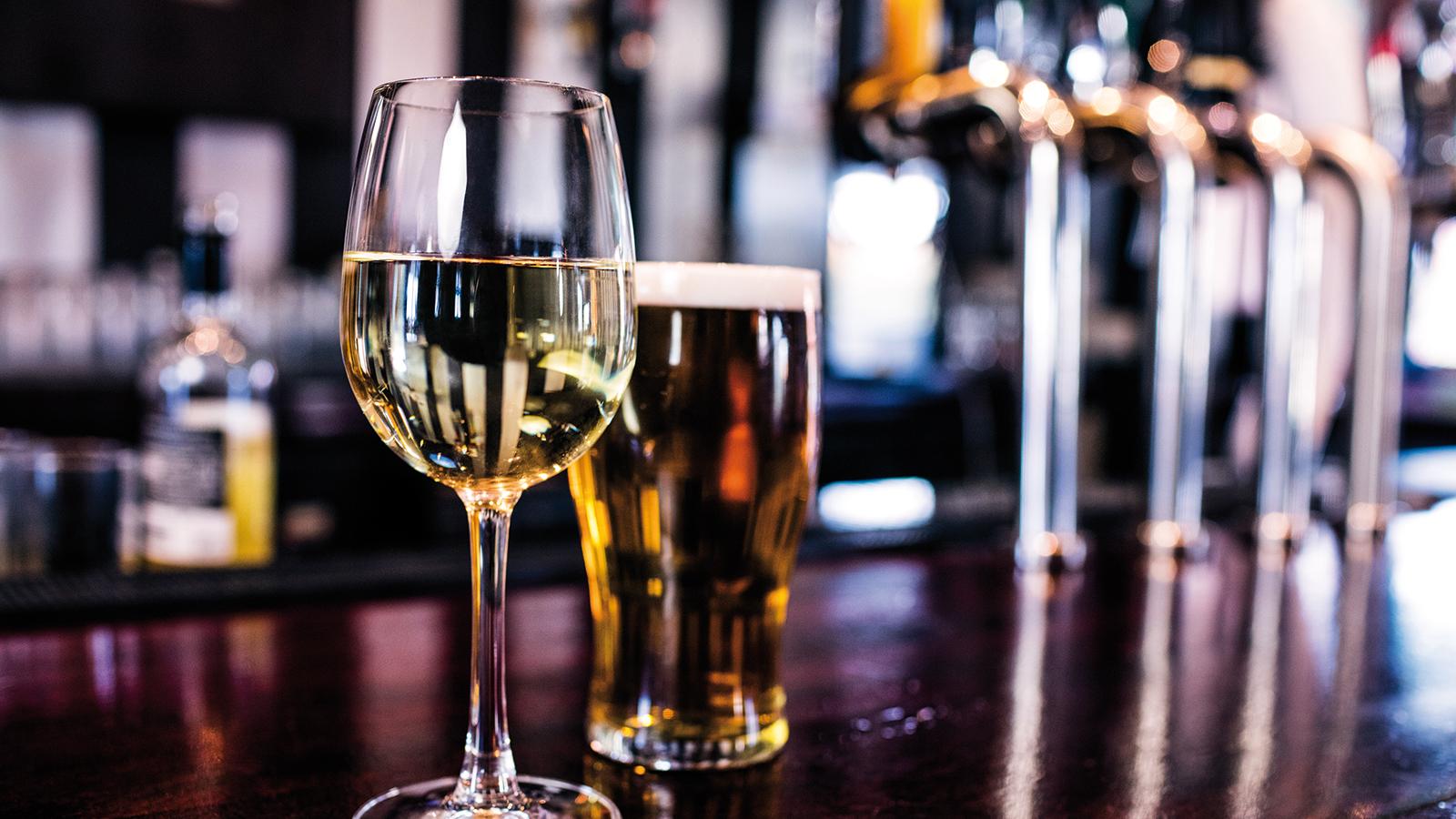 Alcool-Biere-vin-blanc-iStock-846037086