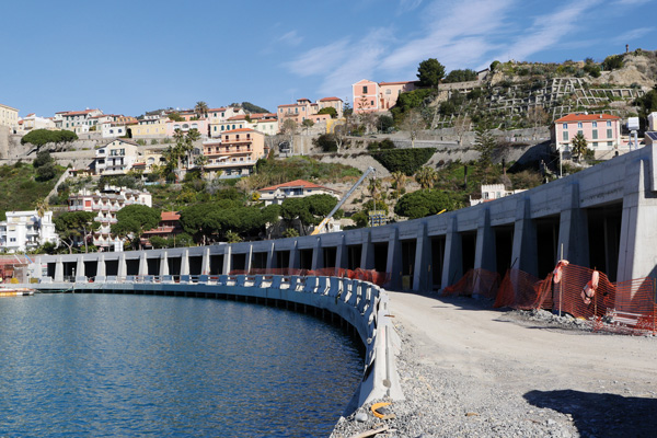Cala-del-Forte-@-Obs-Maxime-Surface-commerciale-4