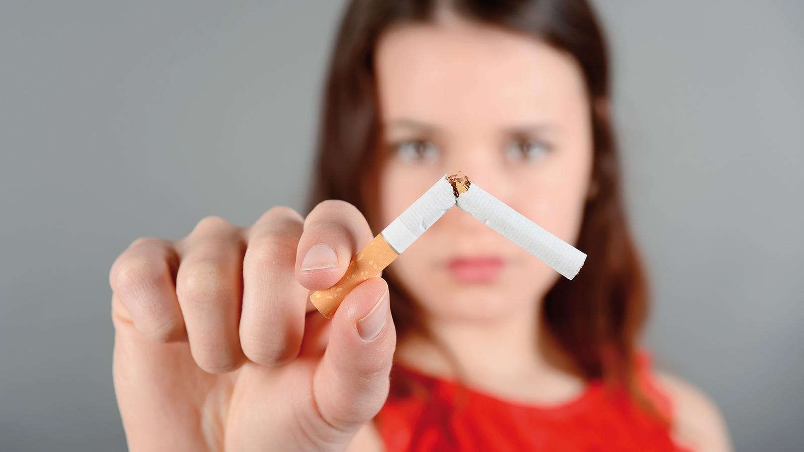 Tabac-tabagisme-jeune-femme