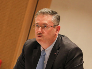 Conseil-national-budget-rectificatif-@-Conseil-National-Christophe-ROBINO