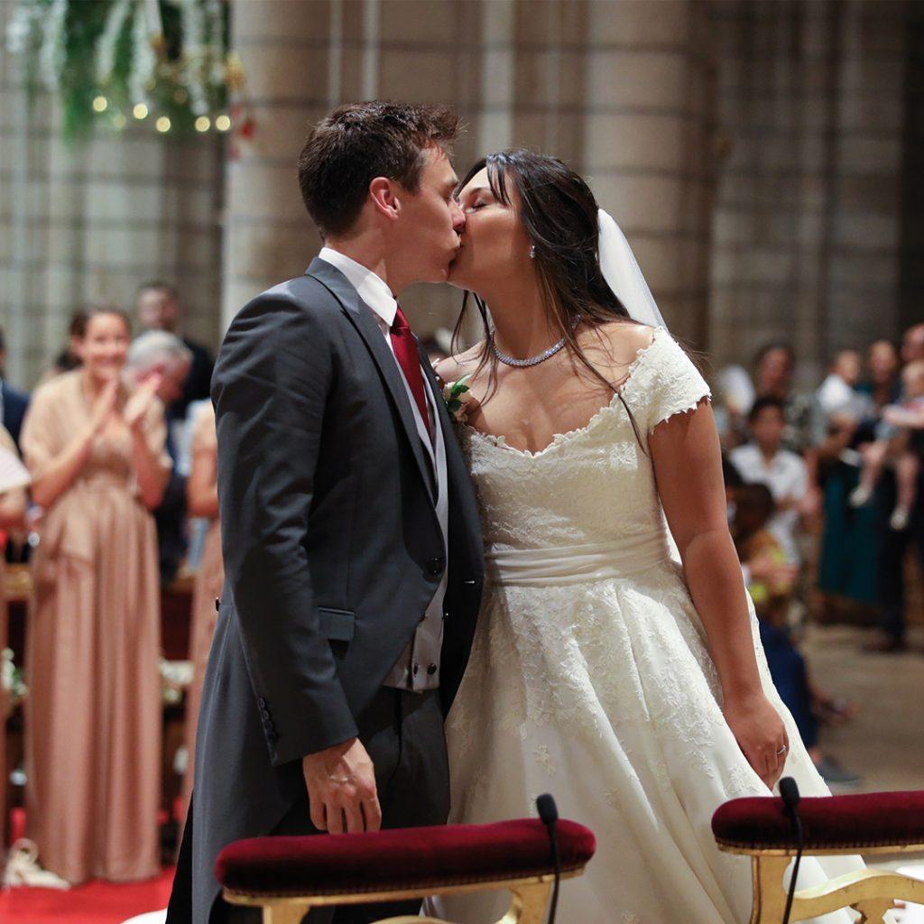 louis-ducruet-marie-chevallier-mariage-monaco-observateur-baiser-cathedrale