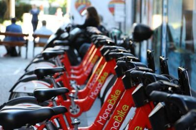 A vélos ou à trottinettes <br/>Voilà ce qui va changer